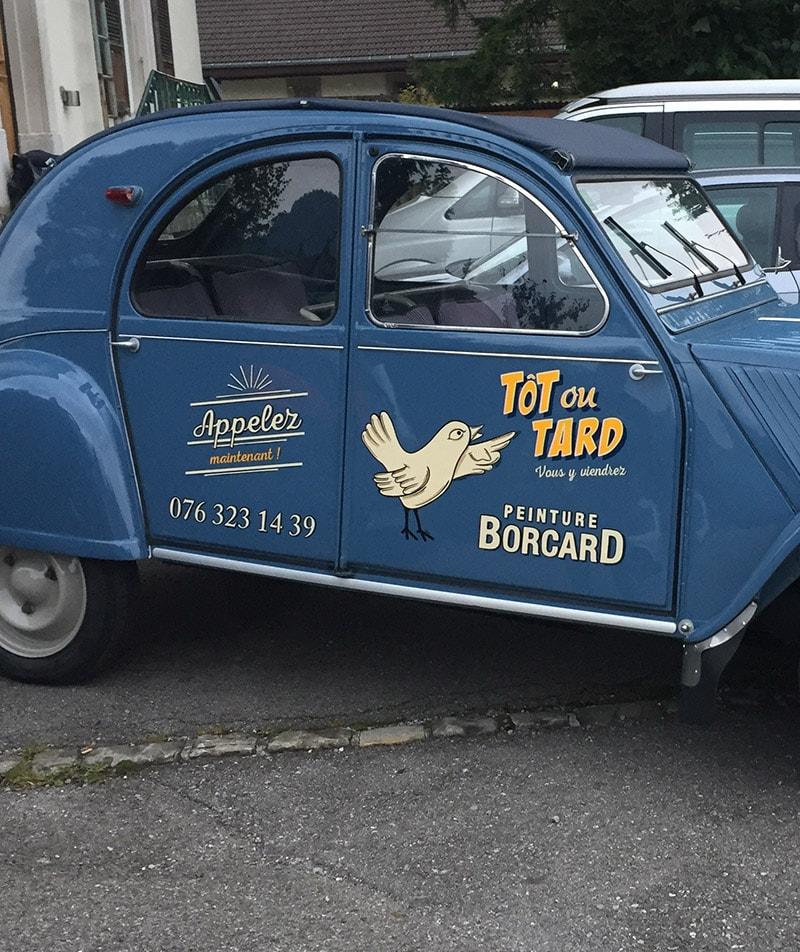 Peinture en lettre voiture pub vintage peint à la main